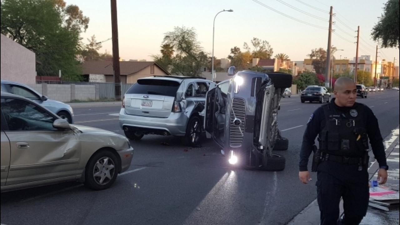[Copertina] - Uber, dopo un incidente stop ai test sulla guida autonoma