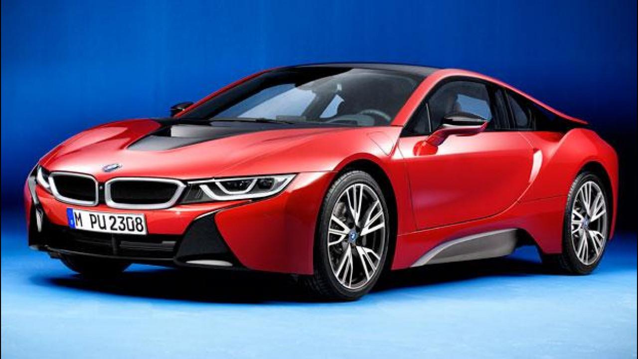 [Copertina] - BMW i8 Protonic Red Edition, l'hypercar dall'abito su misura