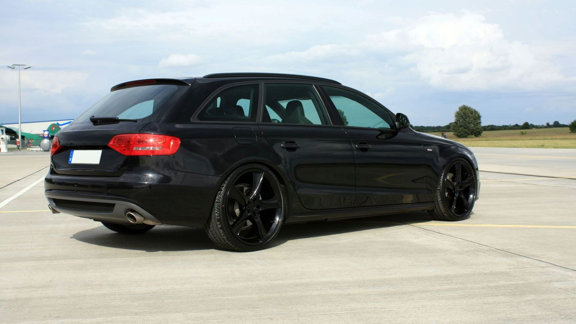 Avus Performance Black Arrow Based On Audi A4 Avant