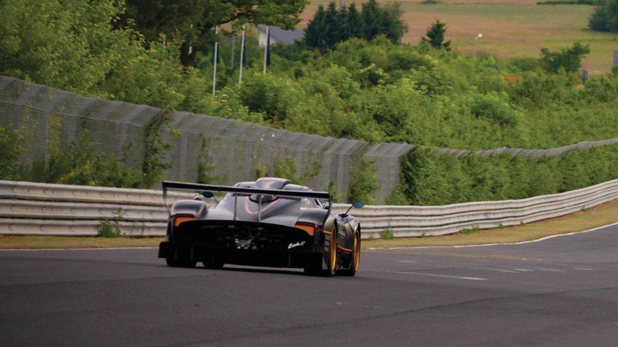 Rare Pagani Zonda R test drive on video
