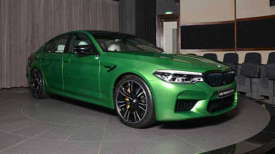 Yeşil gövdeli BMW M5 Competition harika görünüyor