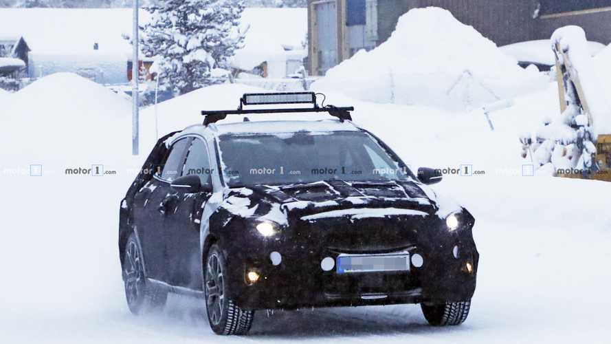 2019 Kia XCeed spy photos
