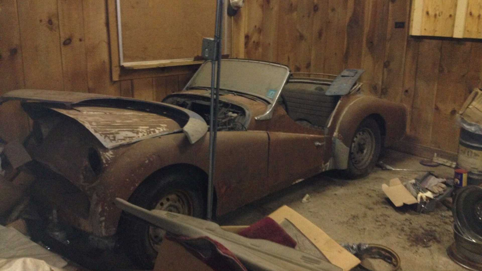 Rescue This Triumph Tr3 From An Upstate New York Barn Motorious