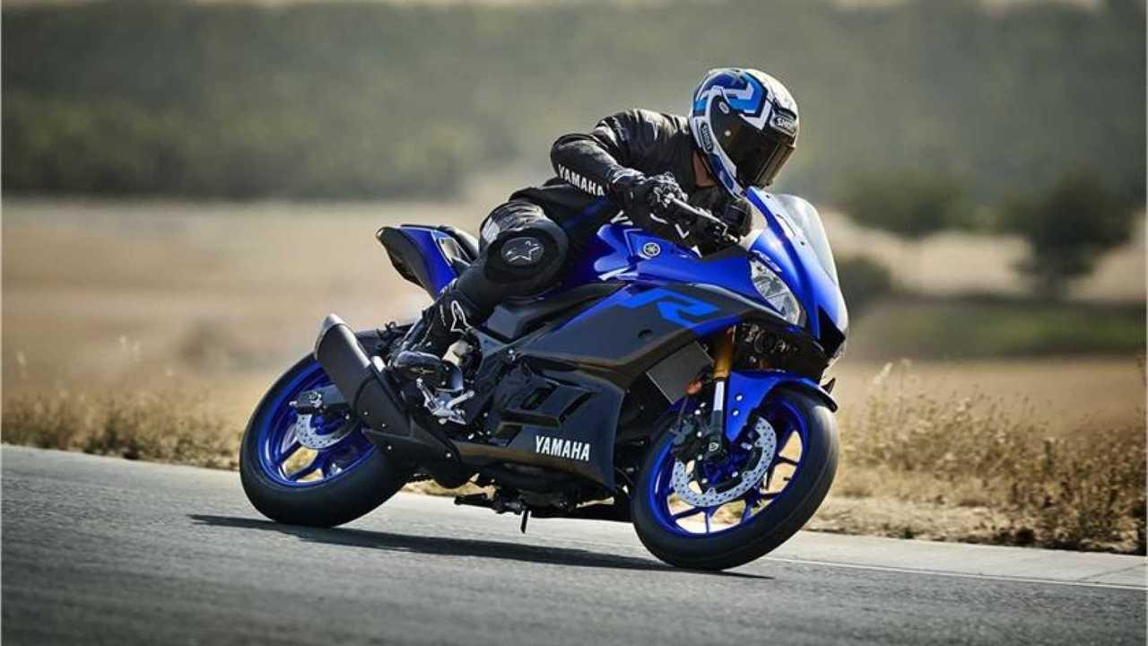 2015-2016 Yamaha R3