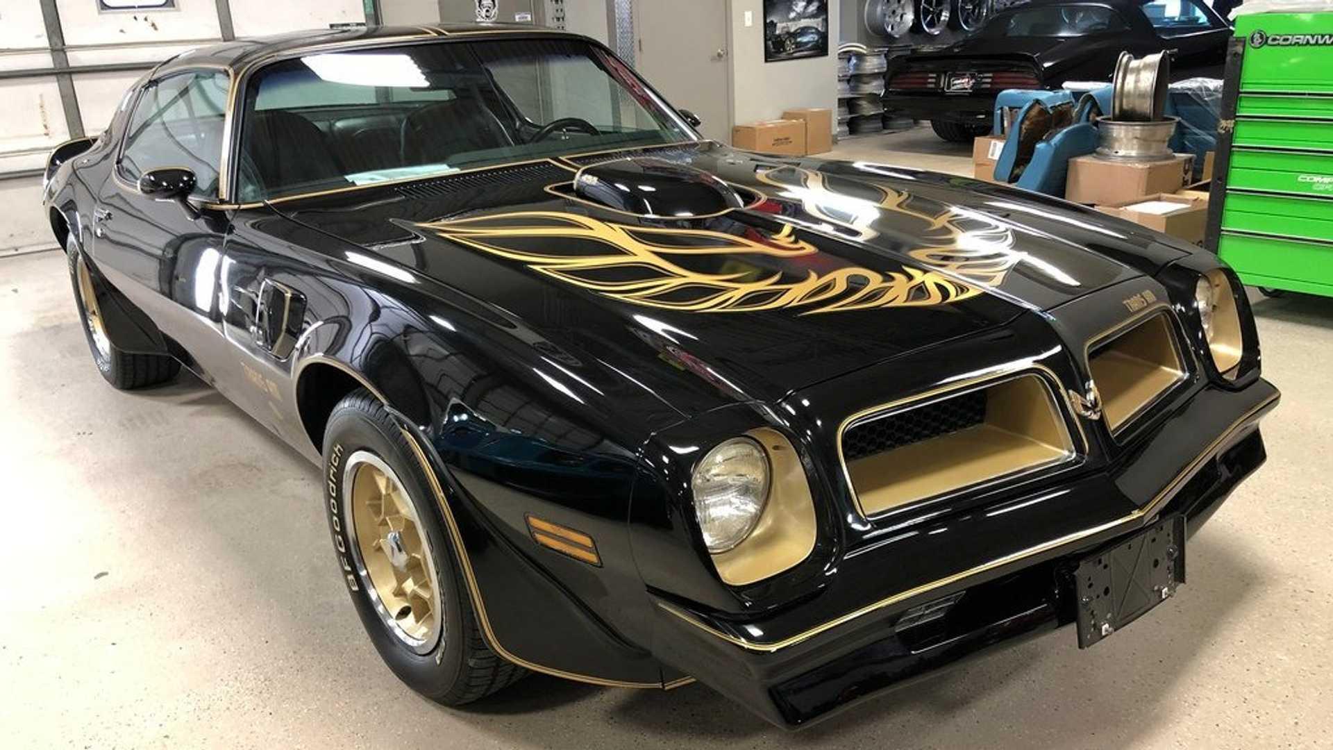 """[""""1976 Pontiac Trans Am Black Special Edition""""]"""