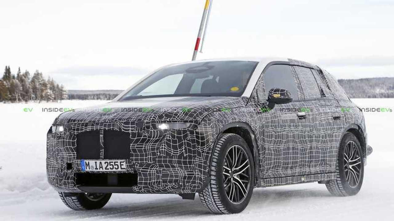 BMW iNext Spy Photo