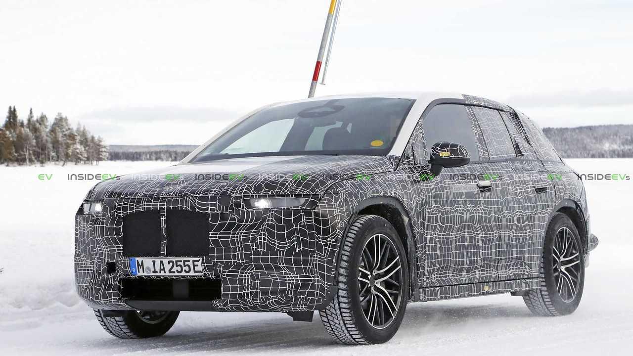 BMW iNEXT'in Kış Testindeki Casus Fotoğrafları