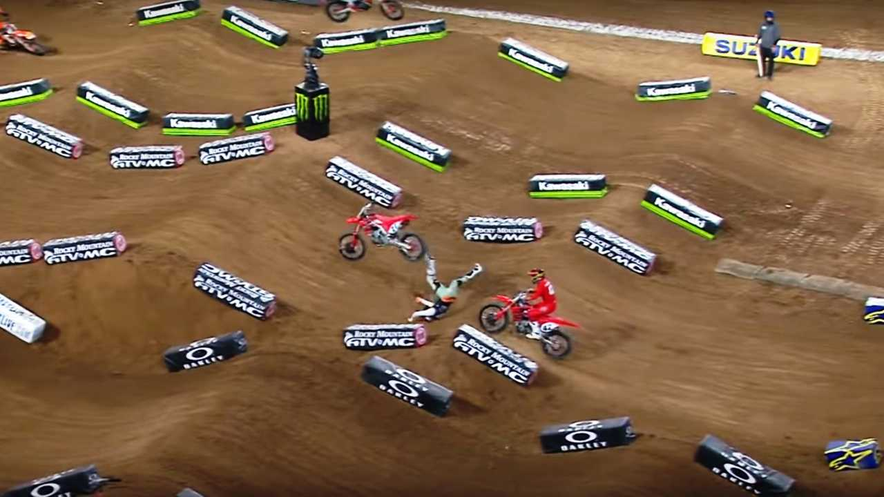 Malcolm Smith Crashes at Glendale Arizona Supercross
