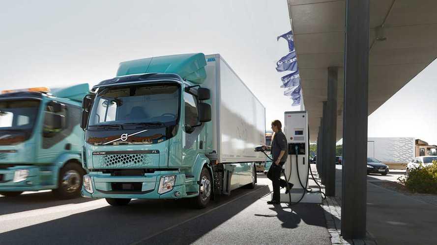 Volvo Electric, consegnati i primi FL