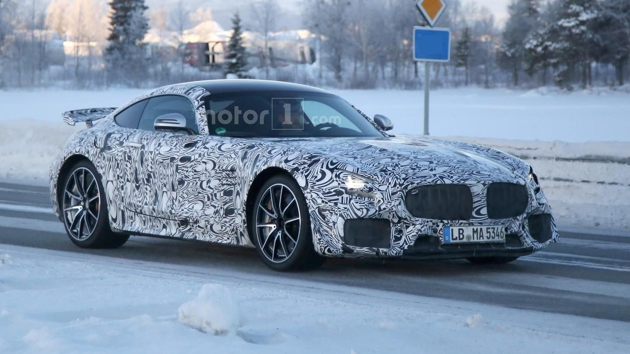 Mercedes-AMG GT R spy photo