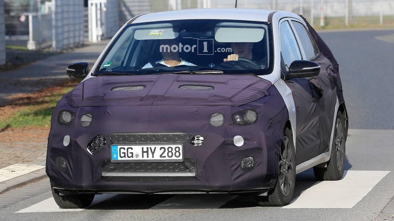 2018 Hyundai i20 yeni casus fotoğraf