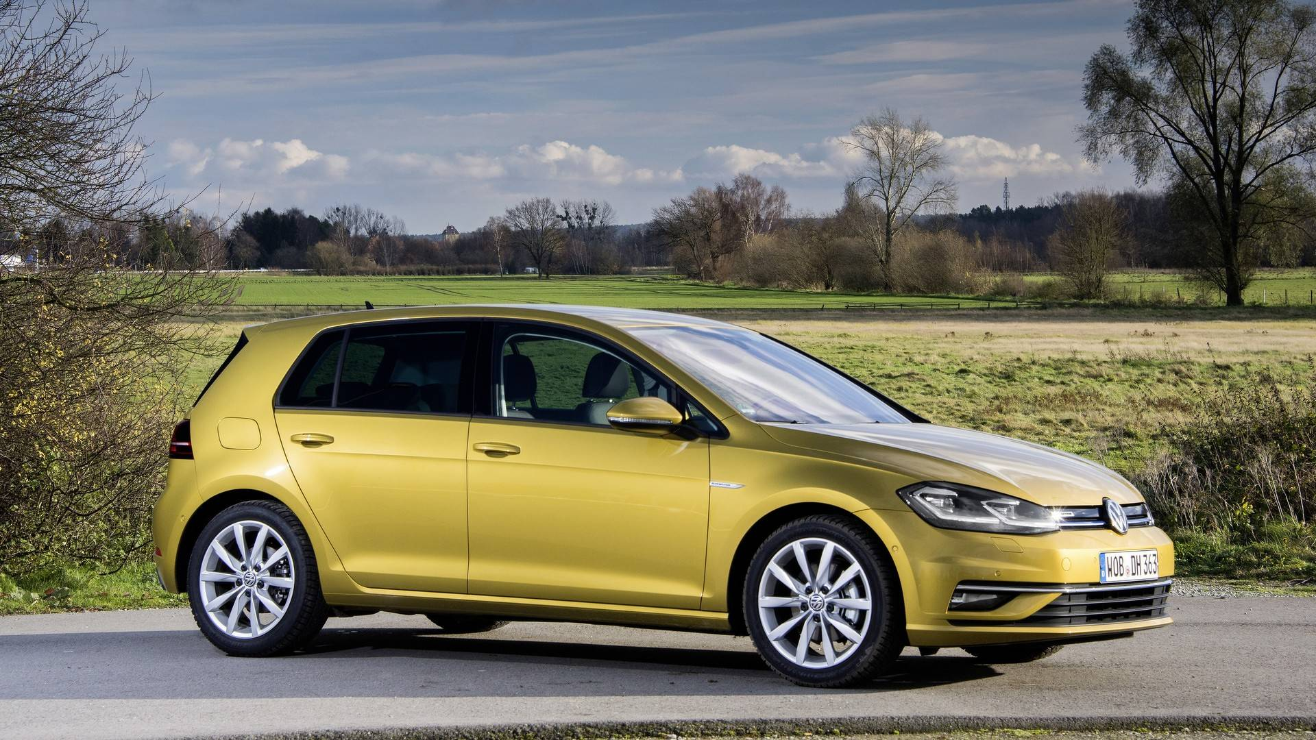 VW Claims Golf 1 5 TSI ACT BlueMotion Delivers Diesel-Like Economy