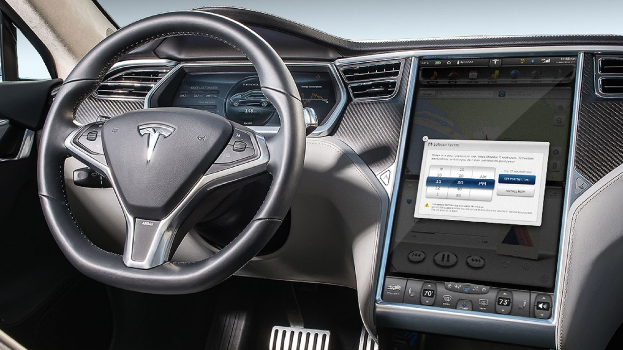 [Copertina] - Per aggiornare l'auto basterà collegarsi ad internet
