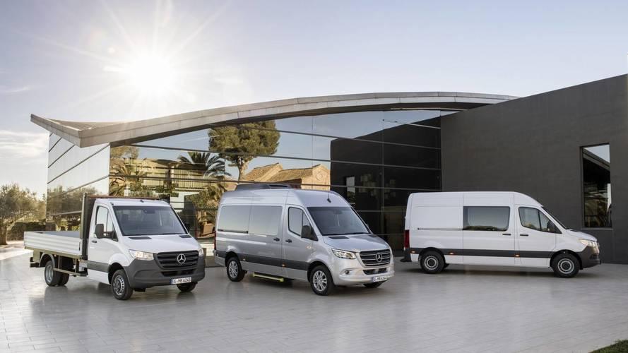 Személyautós okosságok és elsőkerék-hajtás az új Mercedes Sprinterben
