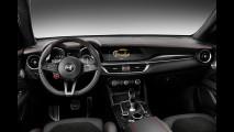 Alfa Romeo Stelvio Quadrifoglio, massima aderenza anche dentro