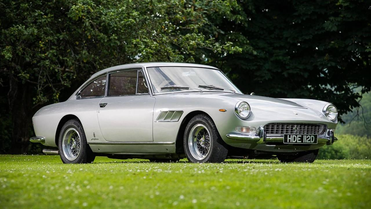 Ferrari 330 GT 2+2 Series II de 1966