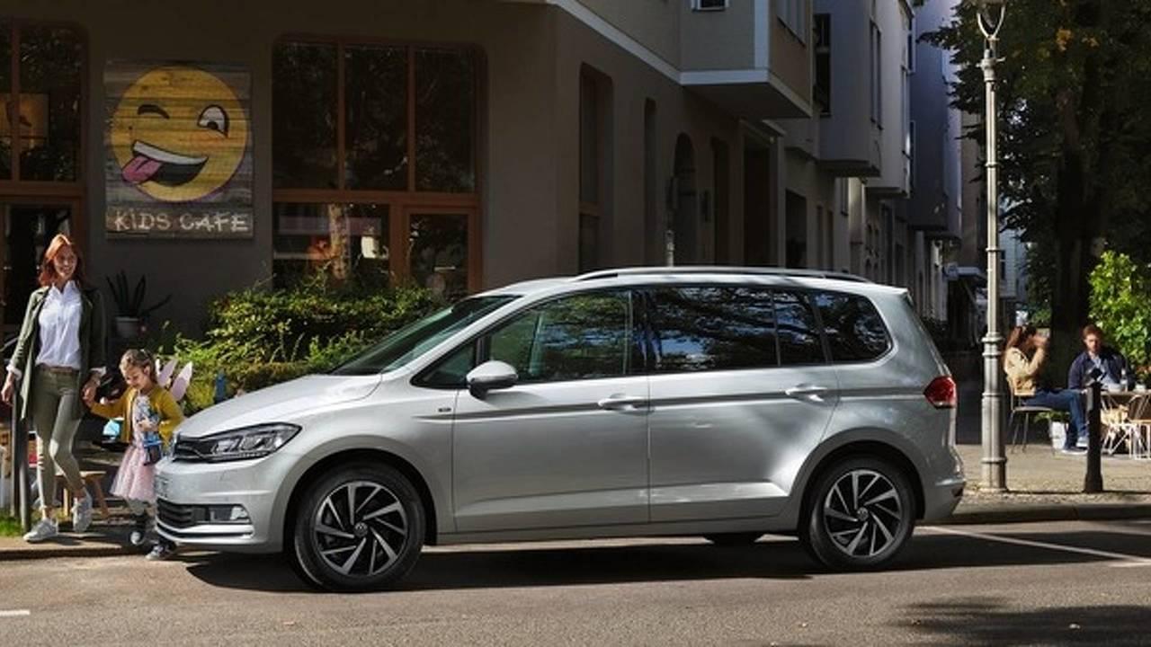 VW Touran Connect