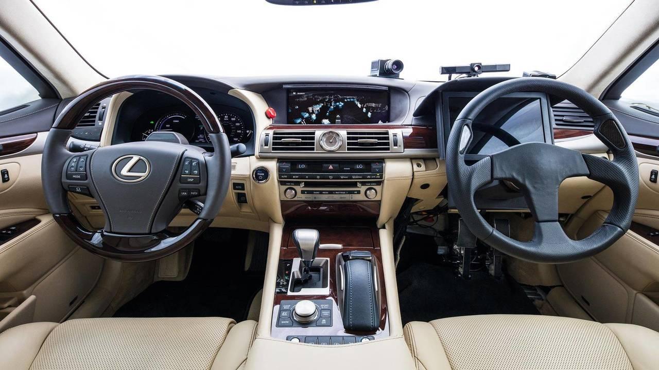 Lexus guida autonoma