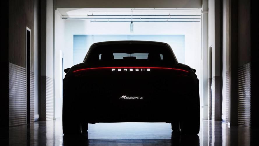 Porsche reporte le lancement du Taycan Cross Turismo