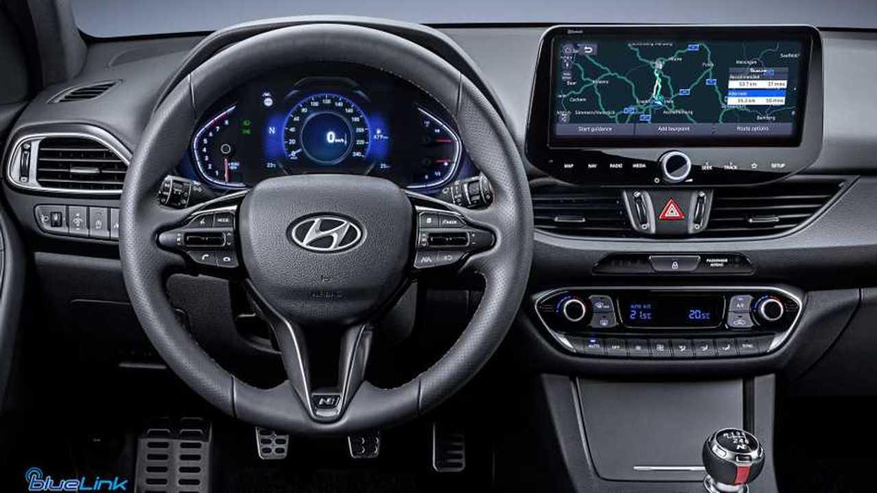 Hyundai i30 infotainment
