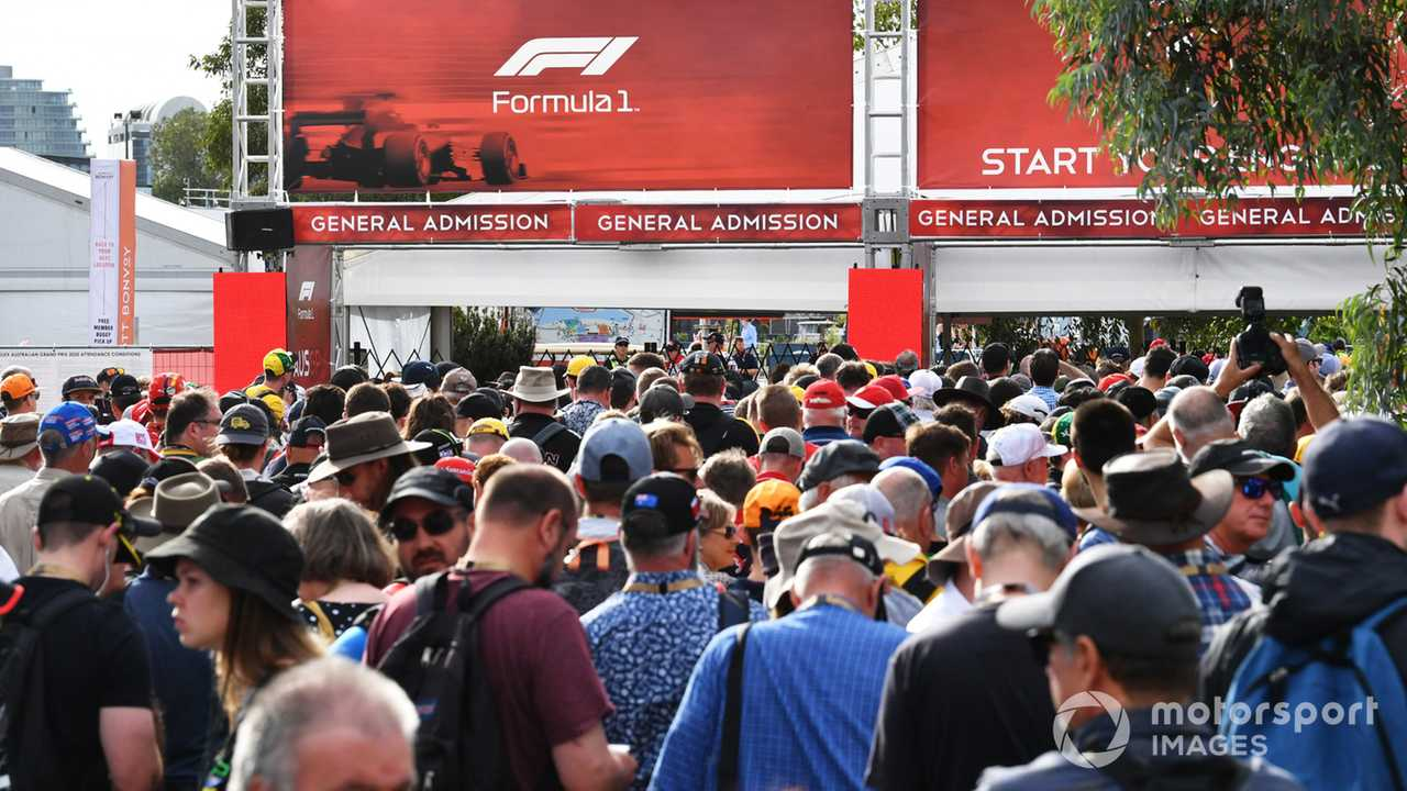 Australian GP 2020 fans queue at the delayed opening gates