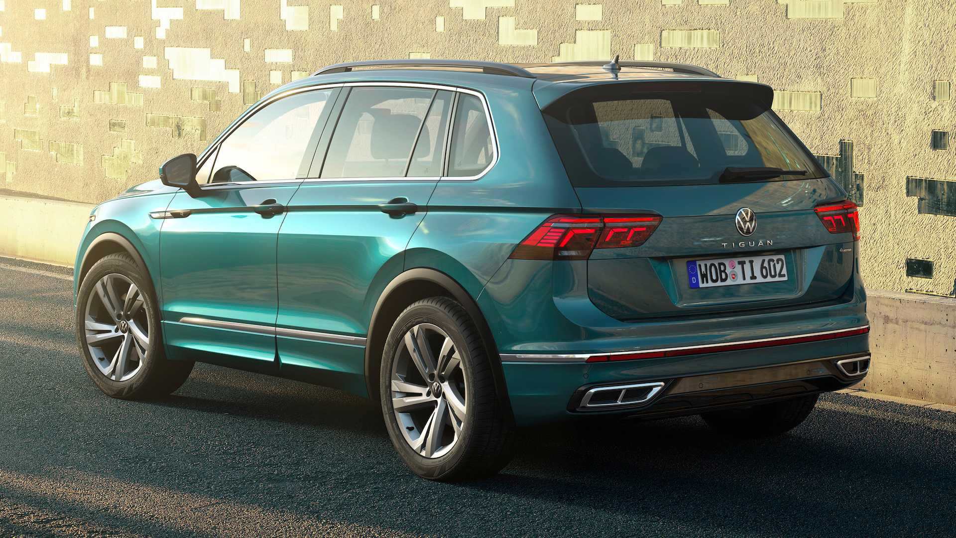 5 Volkswagen Tiguan Debuts With Familial Facelift, More Safety Tech