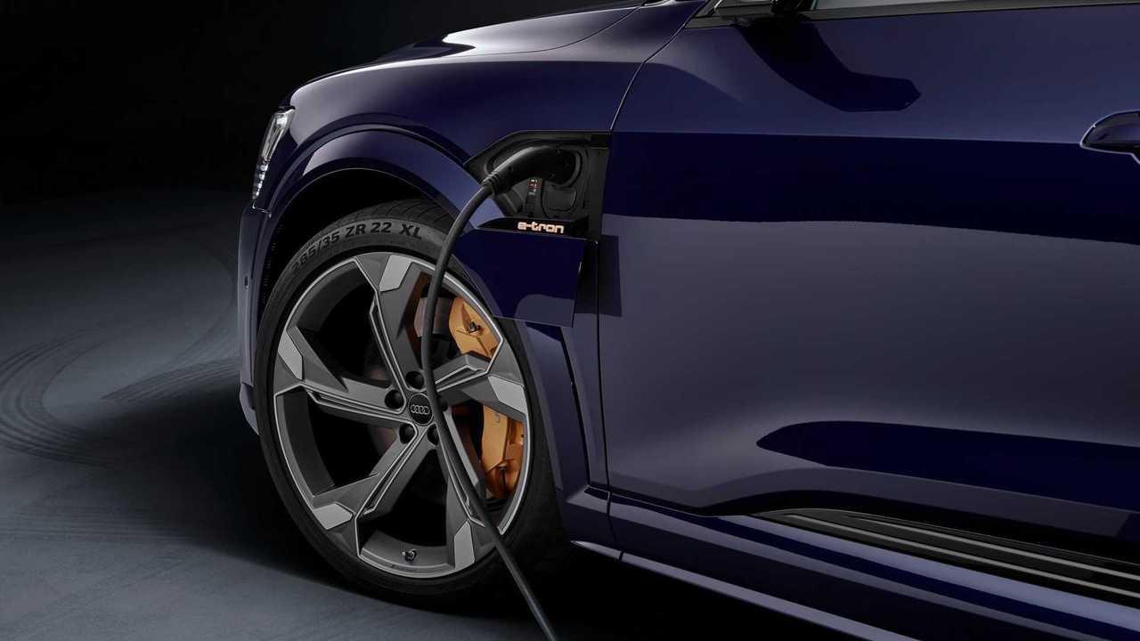 Audi e-tron S - 12
