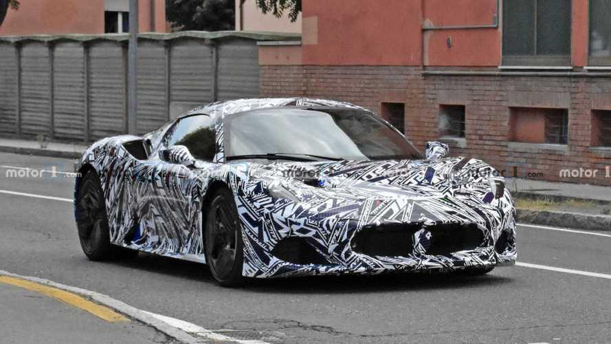 Maserati MC20 (2021) sieht auf neuesten Erlkönigbildern superscharf aus