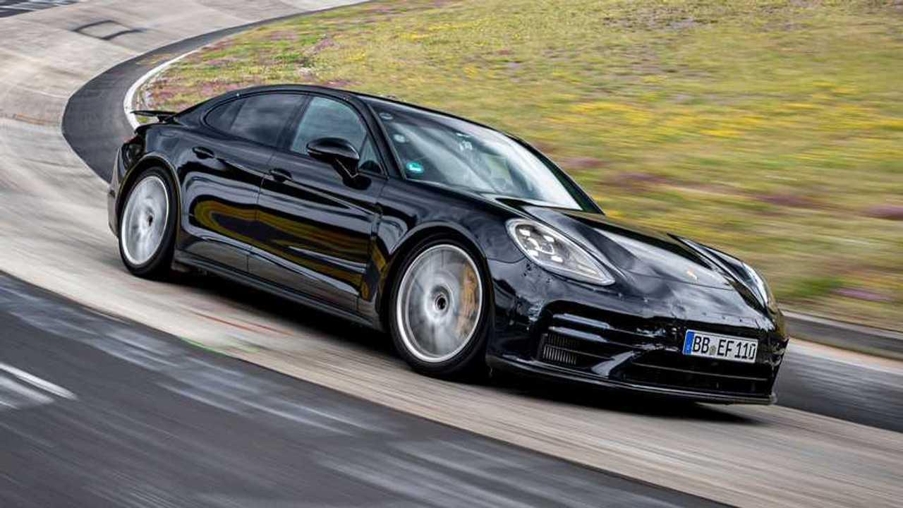 2021 Porsche Panamera stabilisce il più veloce record Porsche a quattro porte al Nürburgring
