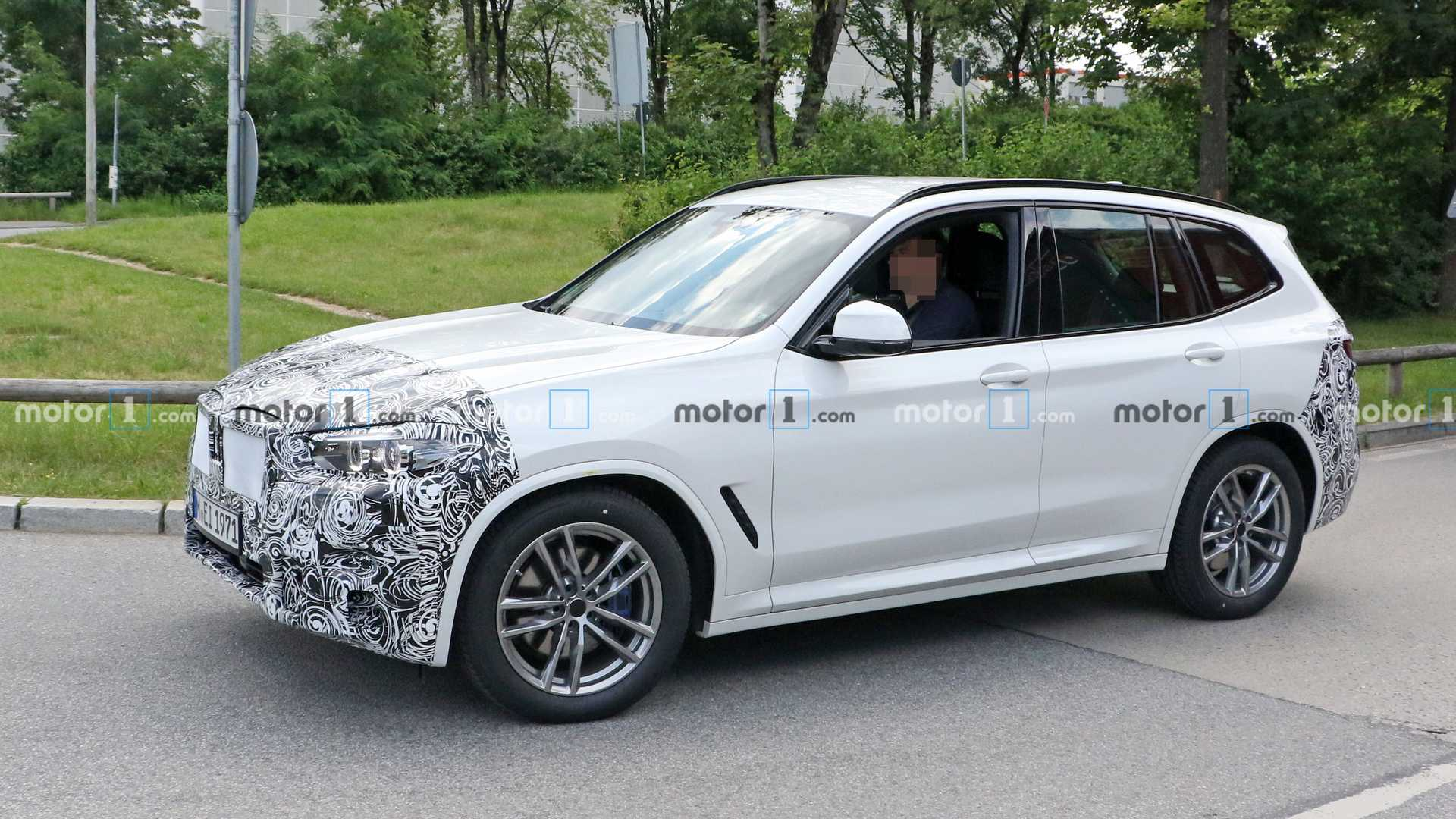 2022-bmw-x​3-lci-spy-​photo