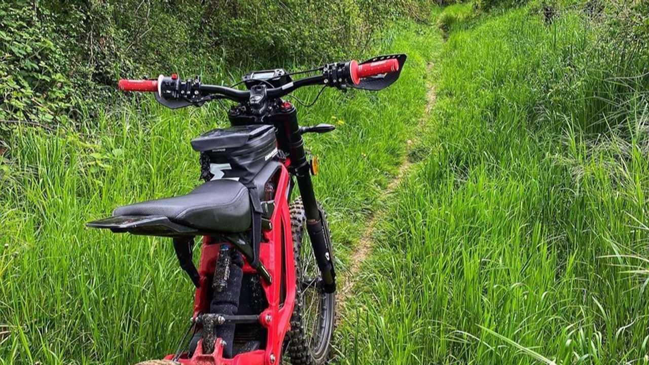 Développer Vos Aptitudes de conduite Hors Route Dans Endurofun du Sur-Ron Centre En Belgique