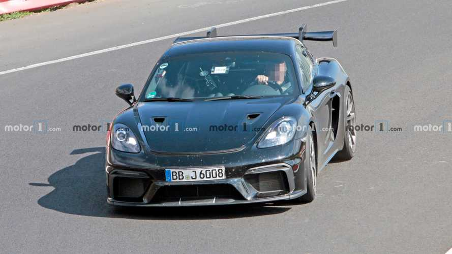 2022 Porsche 718 Cayman GT4 RS spy photos