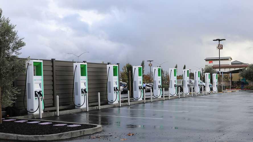 В Калифорнии появились первые 350-киловаттные зарядки для электрокаров