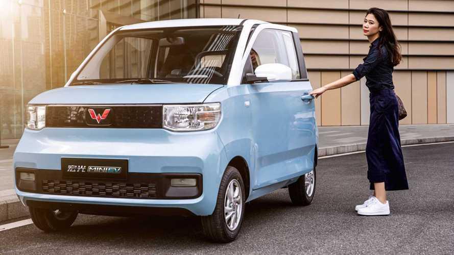 La nuova cinesina elettrica da 4.000 euro fa gola anche in Italia