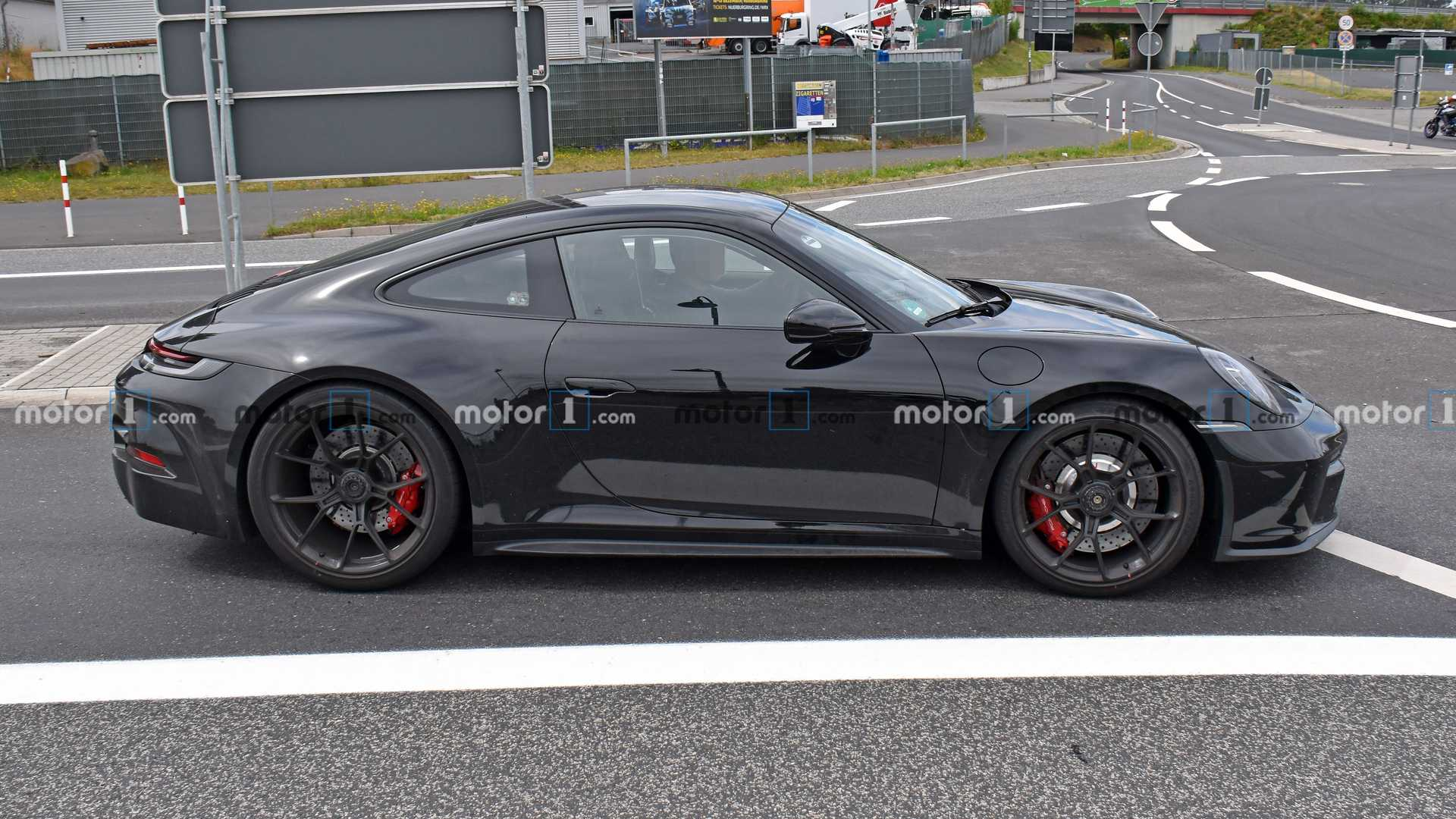 porsche-911-gt3-touring-package-spy-shot-side-view