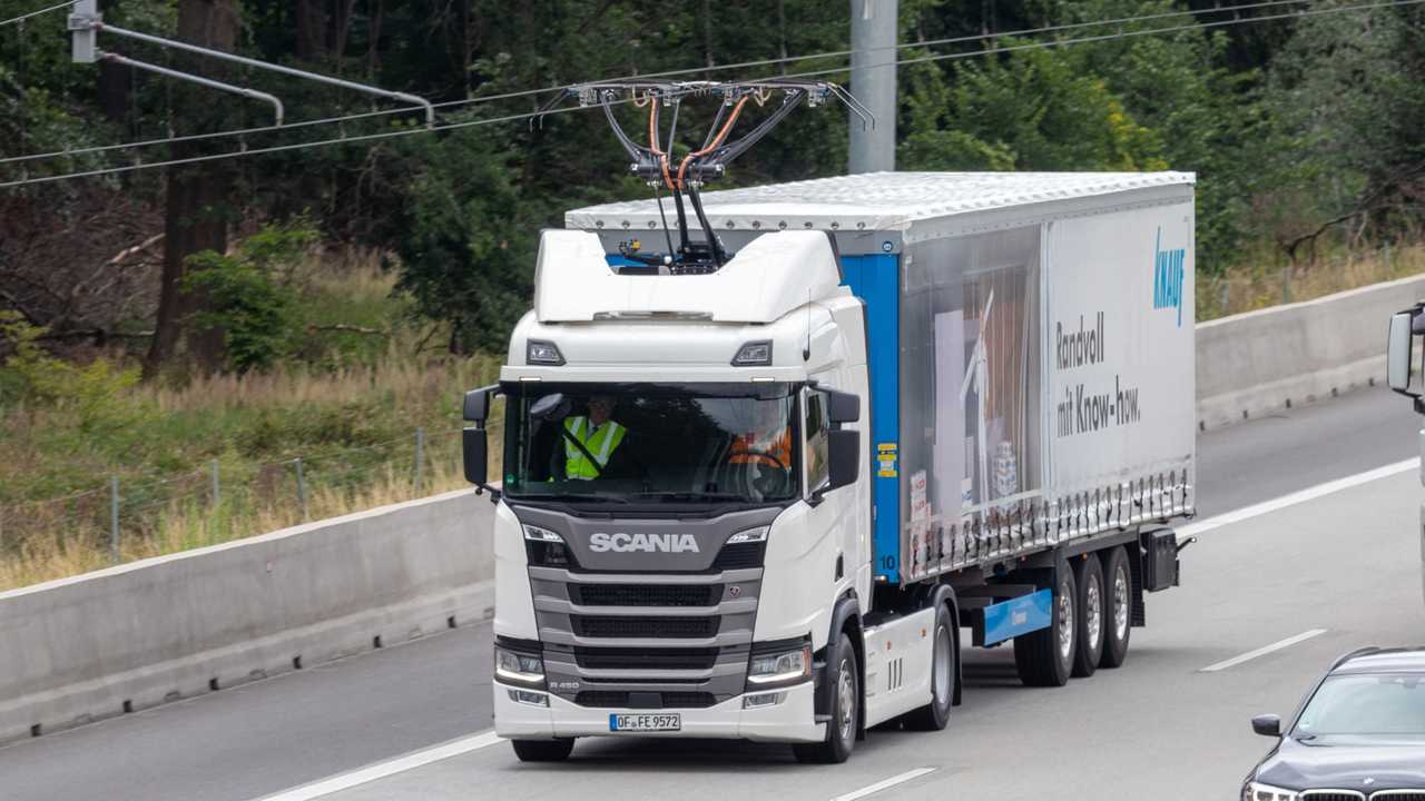First German e-road trial