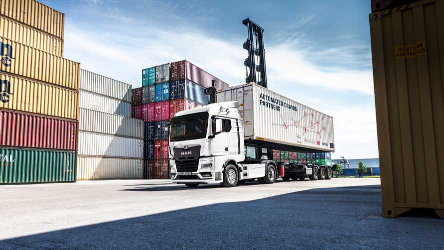 MAN, guida autonoma per spostare i container