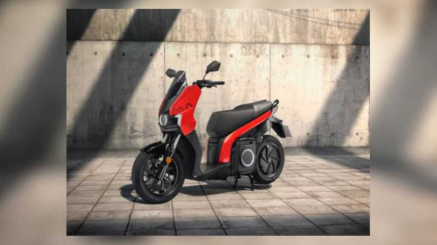 Seat Mó E-Scooter 125 Is Looking Good In Red And Black