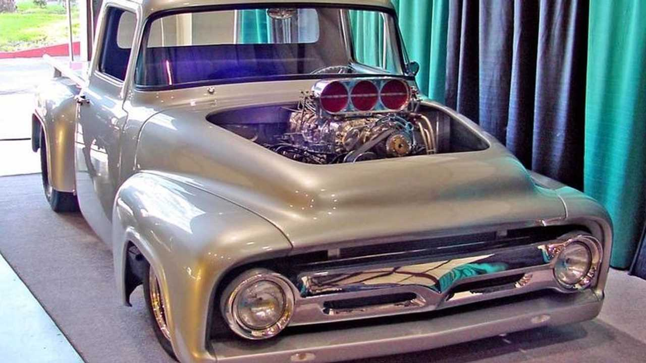 20 Celebrities Who Drive Rad Pickup Trucks