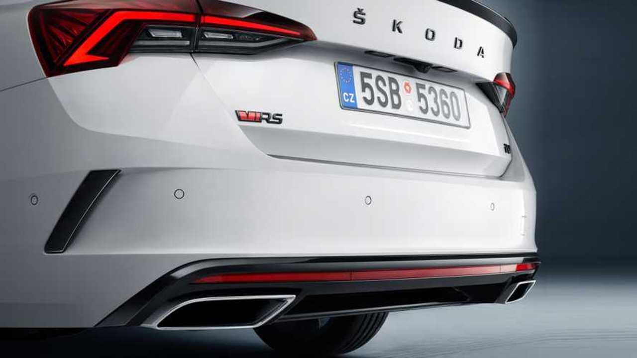 2020 Skoda Octavia RS iV teaser