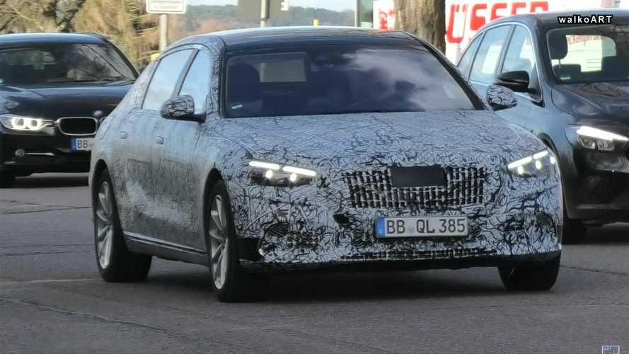 Mercedes-Maybach S-Class Spy Video