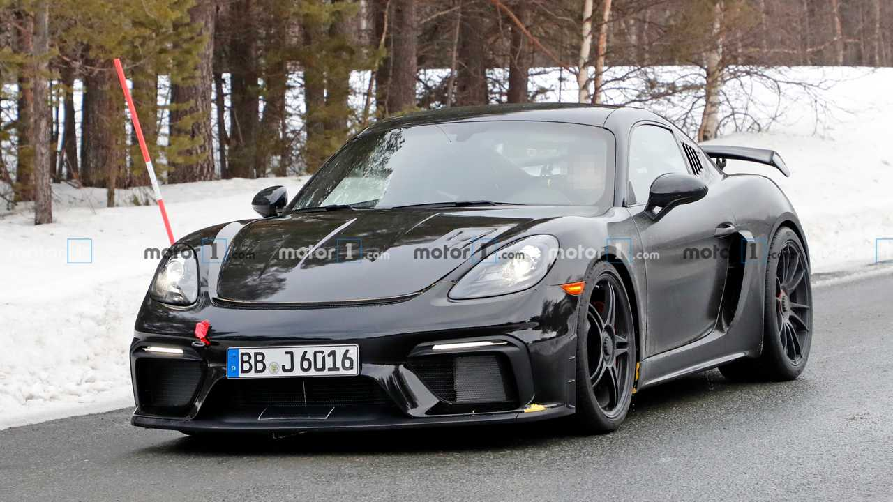 Porsche 718 Cayman GT4 RS, fotos espía.