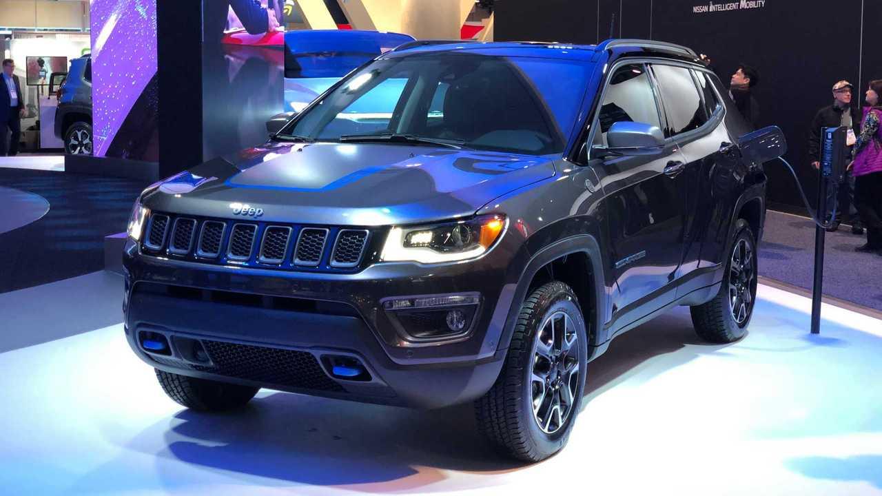 Jeep PHEVs At CES Live Image