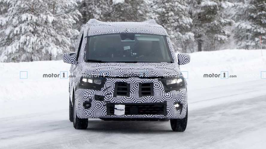 2020 Renault Kangoo new spy photos