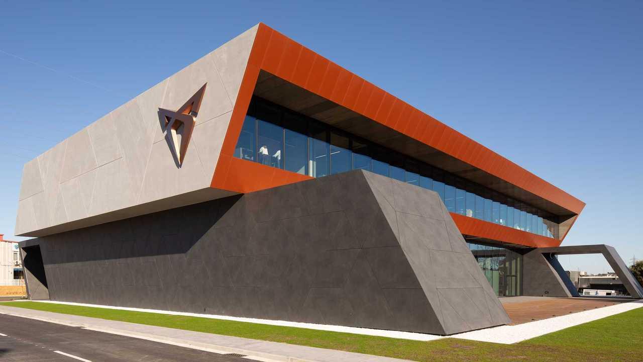 Il Cupra Garage a Martorell (Barcellona)