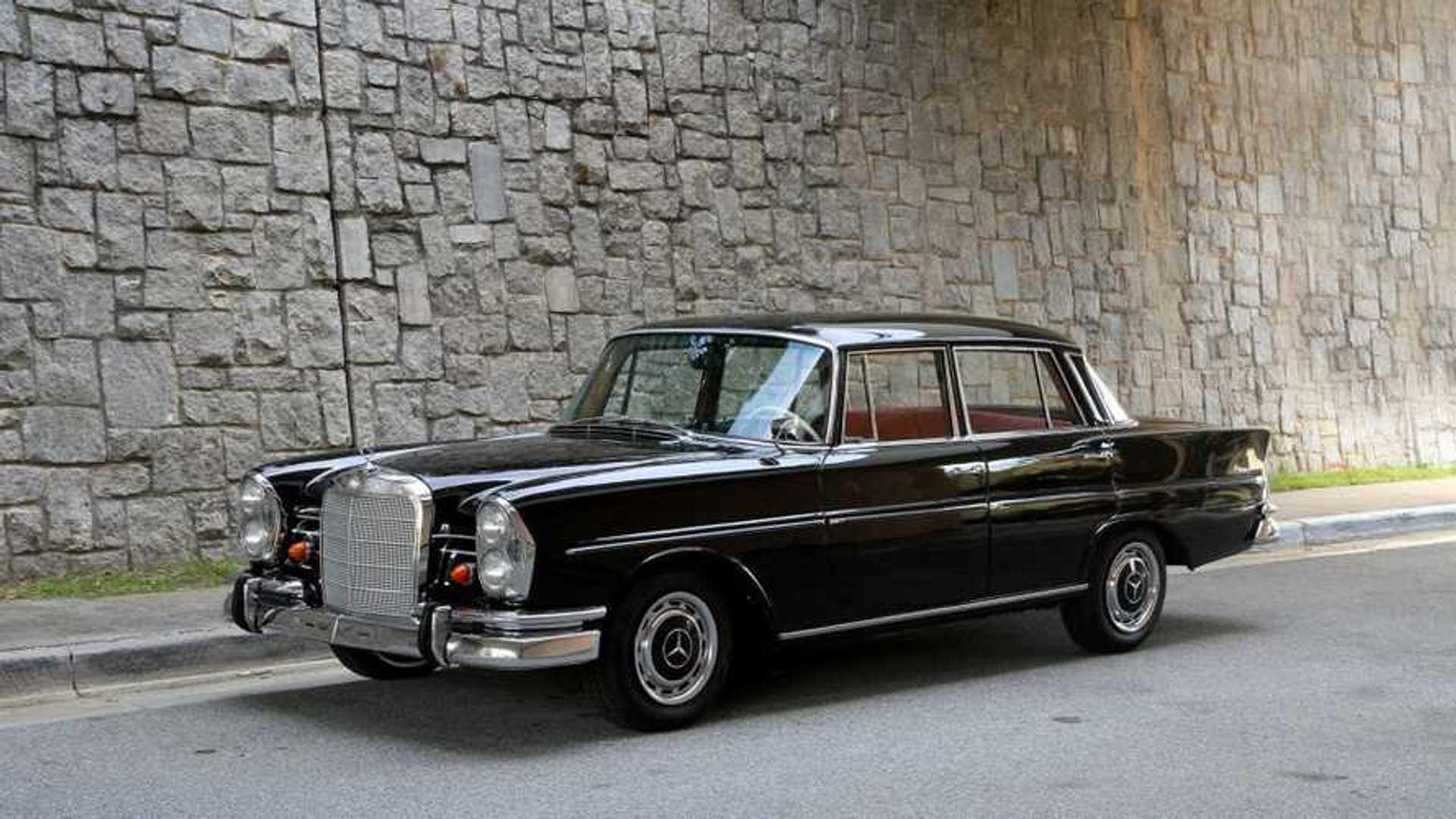 "[""CFS: 1963 Mercedes-Benz 220 SEb""]"