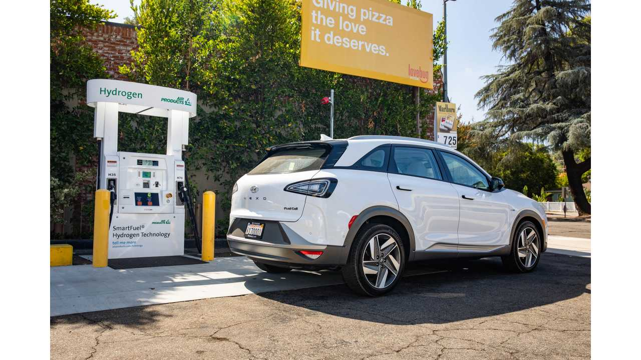 2019 Hyundai Nexo fuel cell at hydrogen pump