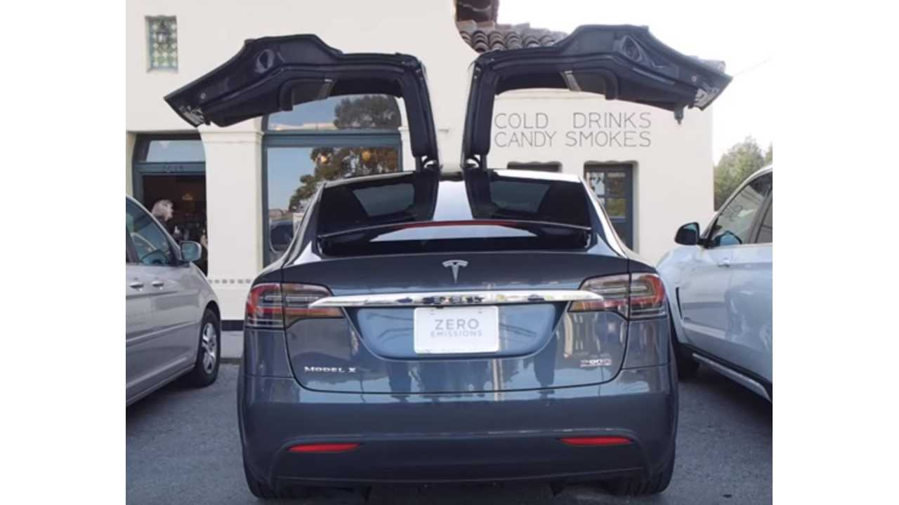 The Fast Lane Car Explores The Top 5 Tesla Model X Features - Video