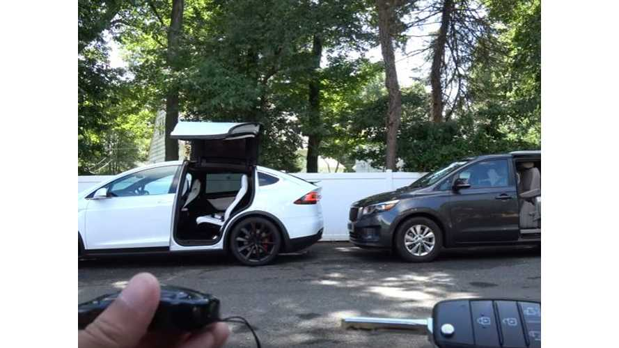 Tesla Model X Falcon Doors Compared To Kia Sedona Sliding Door - Video