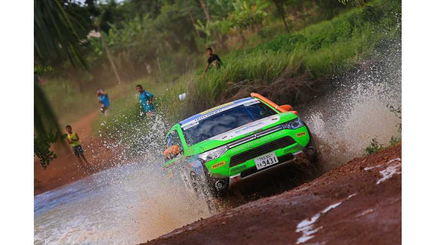 Mitsubishi Outlander PHEV Places First In Asia Cross Country Rally 2014